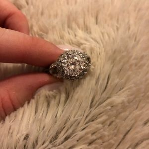 Beautiful cz ring! Sterling silver